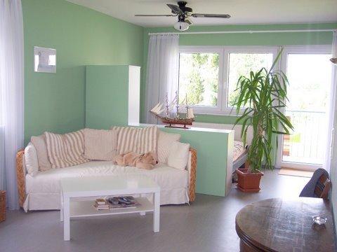farbe mint silkchen hat zwar nicht schrank und bett in mint daf r aber die wand. Black Bedroom Furniture Sets. Home Design Ideas
