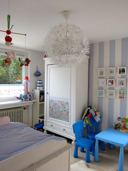 schlafzimmer gestalten streifen look f r m de h upter. Black Bedroom Furniture Sets. Home Design Ideas