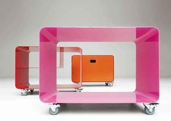 mein fernsehtisch mit rollen praktisches f rs auge. Black Bedroom Furniture Sets. Home Design Ideas