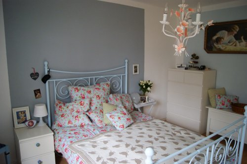 Grau als Wandfarbe: Dabei wirkt Grau mal romantisch-verspielt... (Bild ...