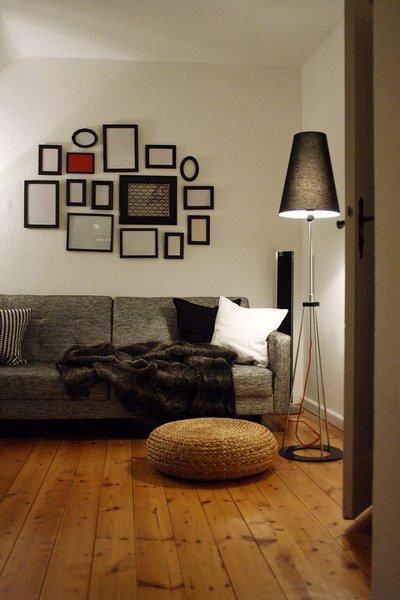 wohnzimmergestaltung graue sofas. Black Bedroom Furniture Sets. Home Design Ideas