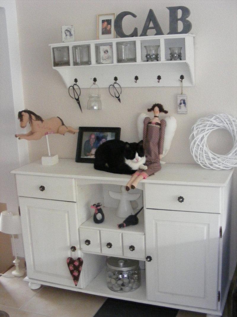 alte kommode im shabby chic aufgepeppt. Black Bedroom Furniture Sets. Home Design Ideas