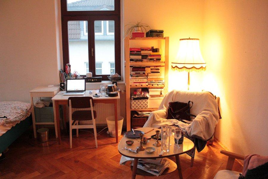 wg zimmer einrichten mehr stauraum schaffen. Black Bedroom Furniture Sets. Home Design Ideas