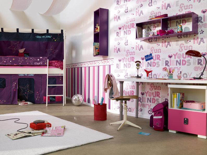 Wandgestaltung lila tapeten for Modische tapeten wohnzimmer