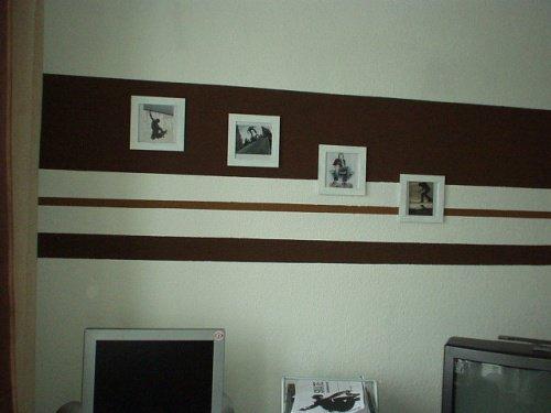 Wandgestaltung in streifen w nde im streifenkleid for Modische tapeten wohnzimmer