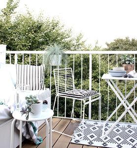 Neue Balkonstühle