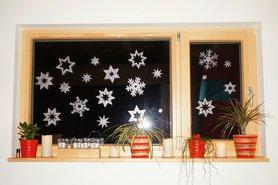 Schneeflöckchen am Fenster