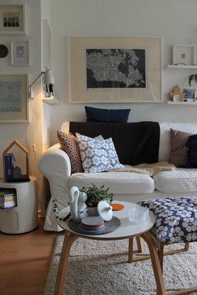 wandgestaltung mit der ikea bilderleiste ribba. Black Bedroom Furniture Sets. Home Design Ideas