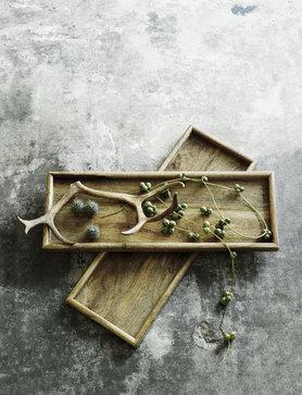 Holztablett mit grober Maserung