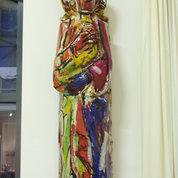 Große abstrakte Madonna als Empfang im Flur