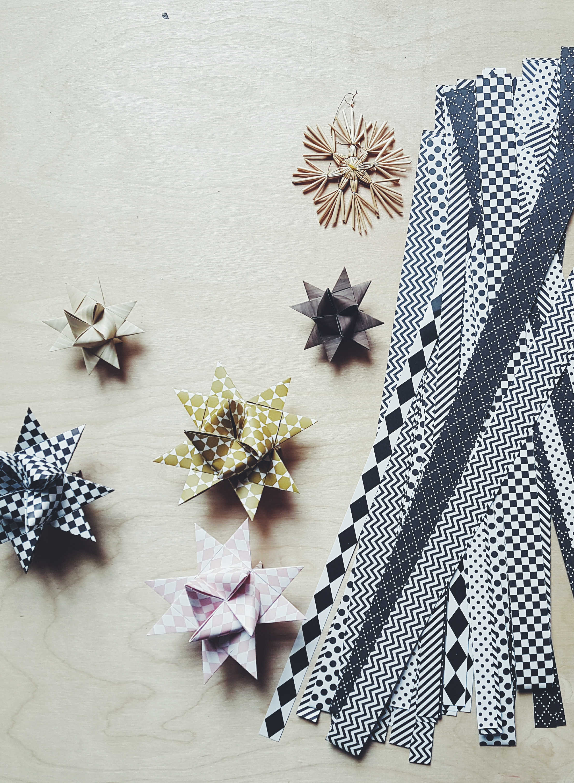 video anleitung weihnachtliche fr belsterne selber. Black Bedroom Furniture Sets. Home Design Ideas