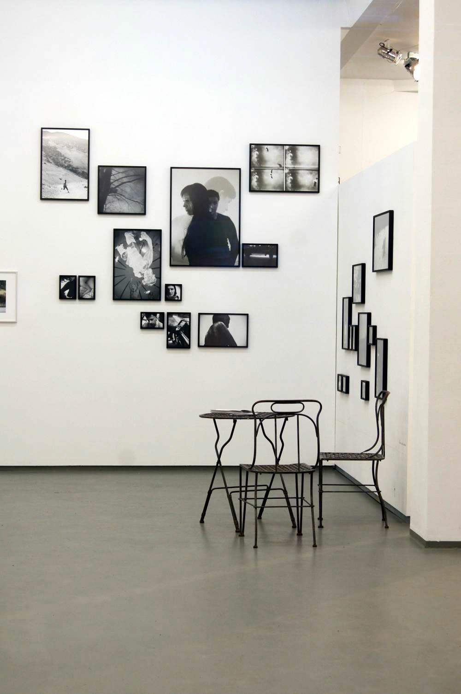 ... Laminat In Fliesenoptik Bauhaus In Grau Schlafzimmer Gestalten Mit  Steinwand ...