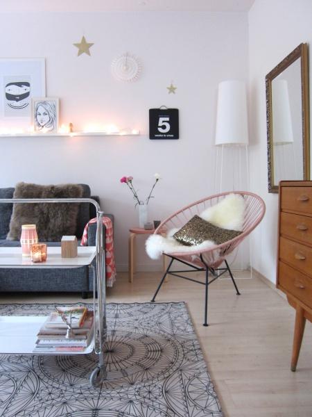 ich wohne kunterbunt und durchgew rfelt zu besuch bei luise in d sseldorf. Black Bedroom Furniture Sets. Home Design Ideas