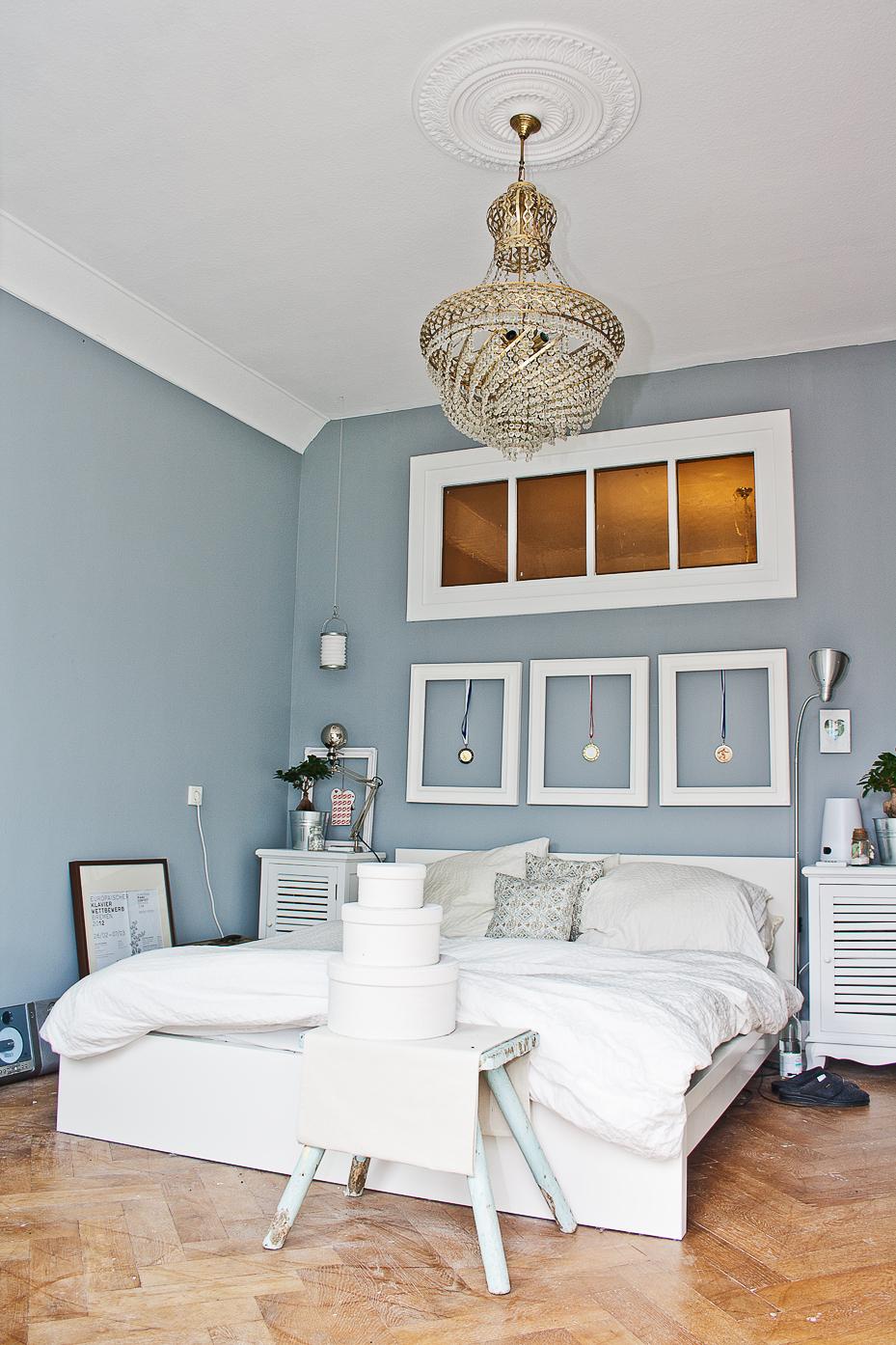gute stimmung im schlafzimmer mit dem richtigen licht. Black Bedroom Furniture Sets. Home Design Ideas