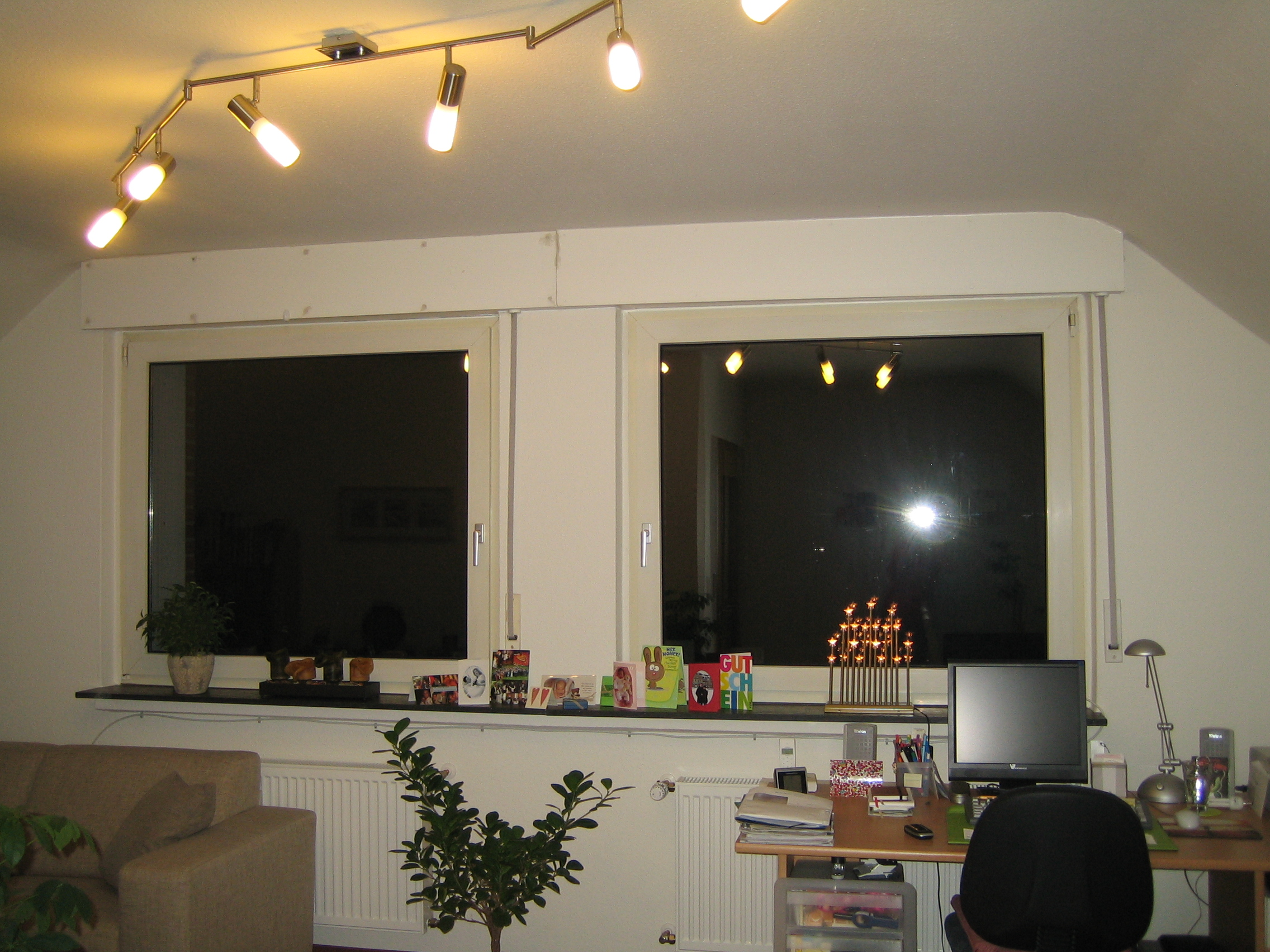 gardinen f r eine dachschr ge. Black Bedroom Furniture Sets. Home Design Ideas