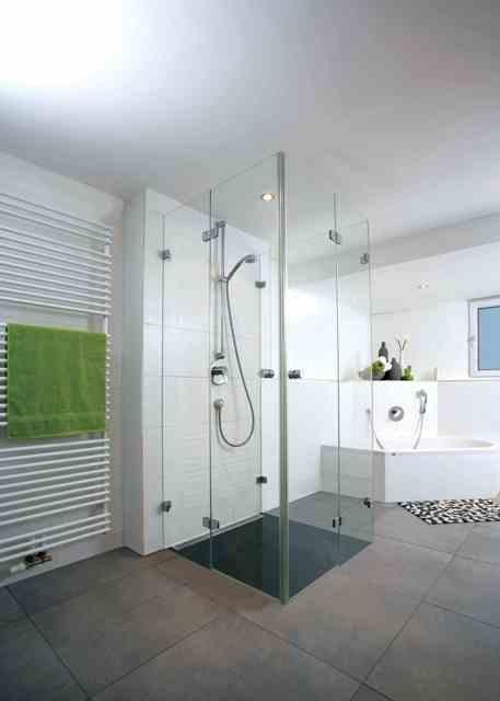 Dusche Ebenerdig Glas : Dusche dreiseitig aus Glas, ebenerdig SoLebIch.de