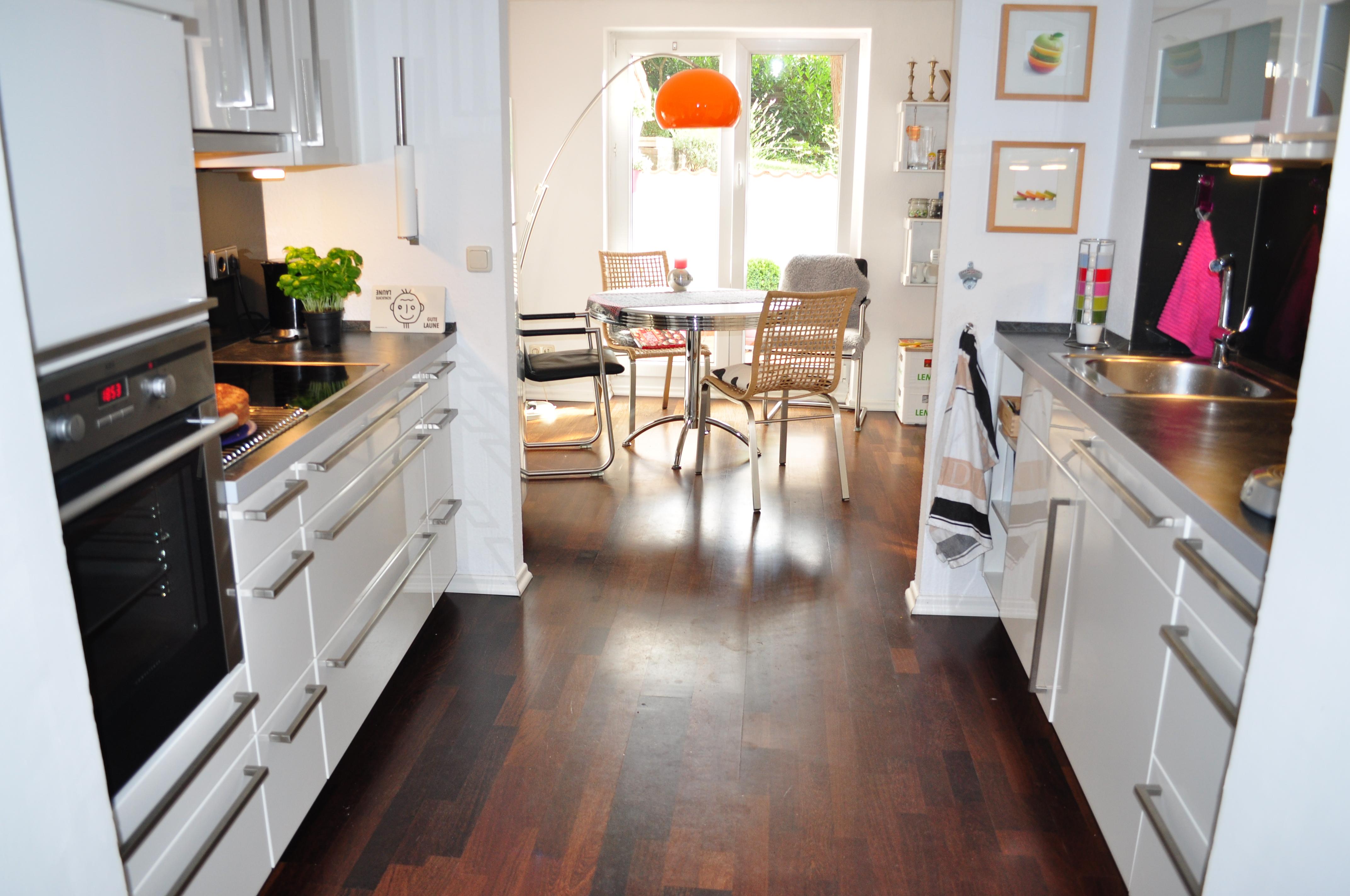 fensterlose k che durchgangsk che. Black Bedroom Furniture Sets. Home Design Ideas