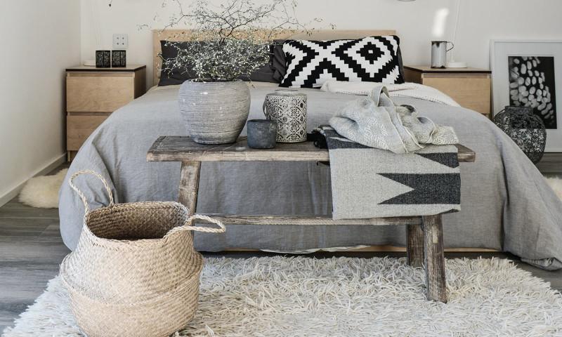 Graues Skandinavisch Eingerichtetes Schlafzimmer