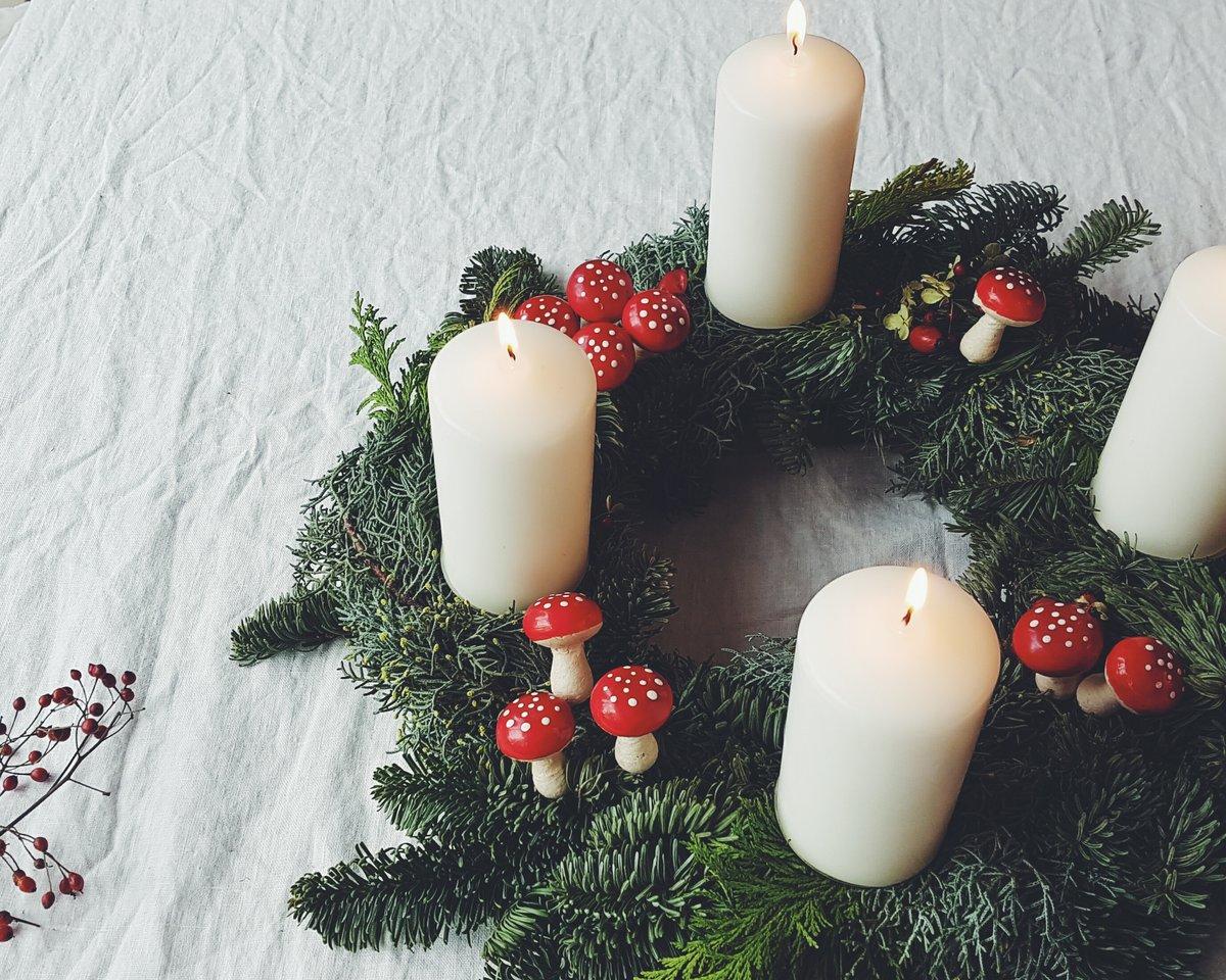 adventskranz de weihnachten in deutschland. Black Bedroom Furniture Sets. Home Design Ideas