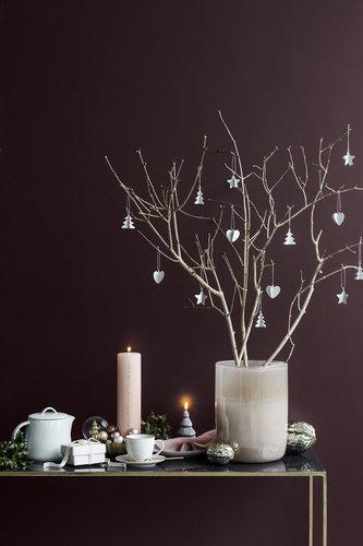 ... Weihnachtsdeko In Aubergine, Bordeaux Und Zartem Rose Strahlt Viel  Wärme Aus Und Bringt Accessoires Aus Messing Und Saftiges Tannengrün Zum  Strahlen!