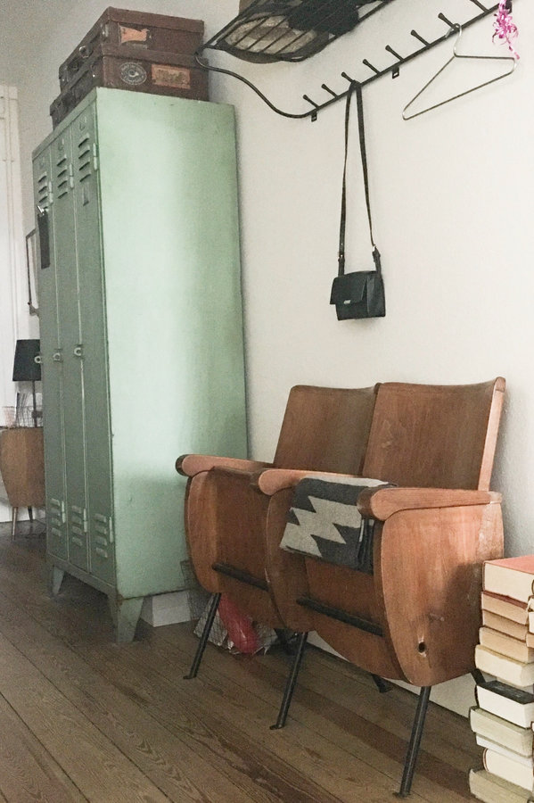 14 inspirationen zur neu und umgestaltung des flurs. Black Bedroom Furniture Sets. Home Design Ideas
