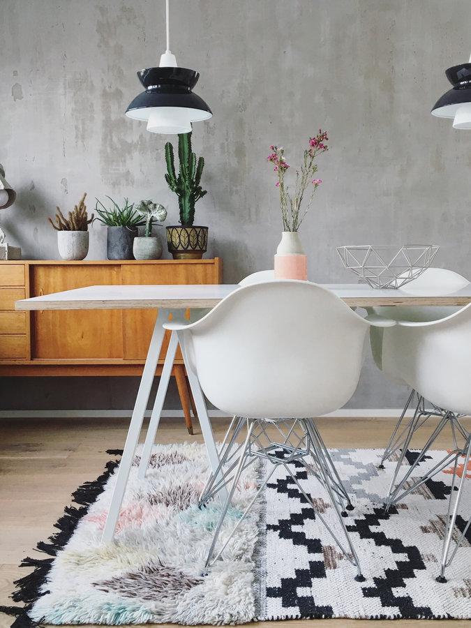 die lange tafel der esstisch herzst ck des esszimmers. Black Bedroom Furniture Sets. Home Design Ideas