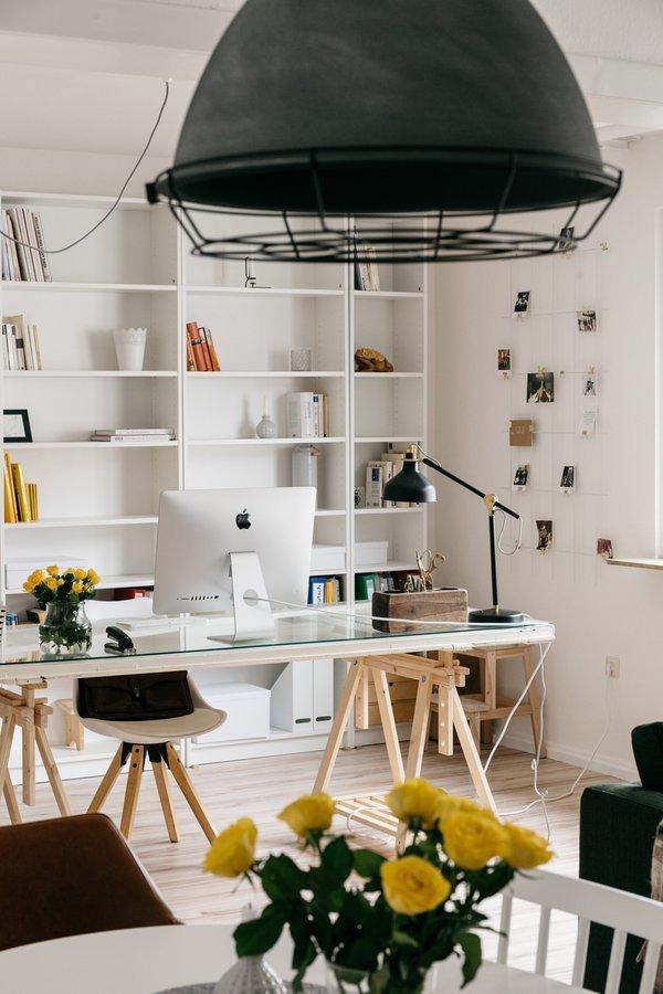 5 kreative upcycling diy ideen f r tische. Black Bedroom Furniture Sets. Home Design Ideas