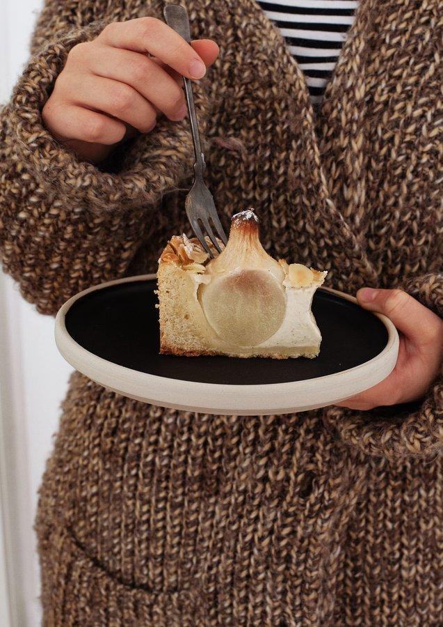 Außen knusprig, innen cremig: Birnen-Vanillepudding-Tarte mit Zimt und Mandeln von Houseno44