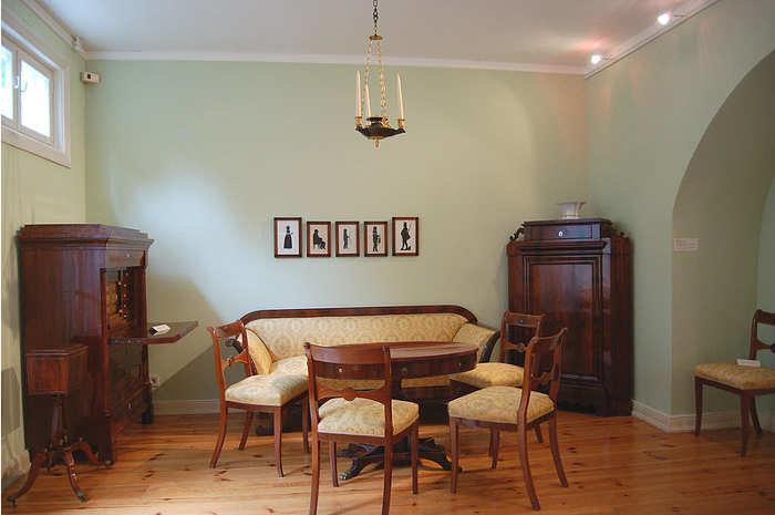 designgeschichte teil 9 biedermeierm bel 1815 1840. Black Bedroom Furniture Sets. Home Design Ideas
