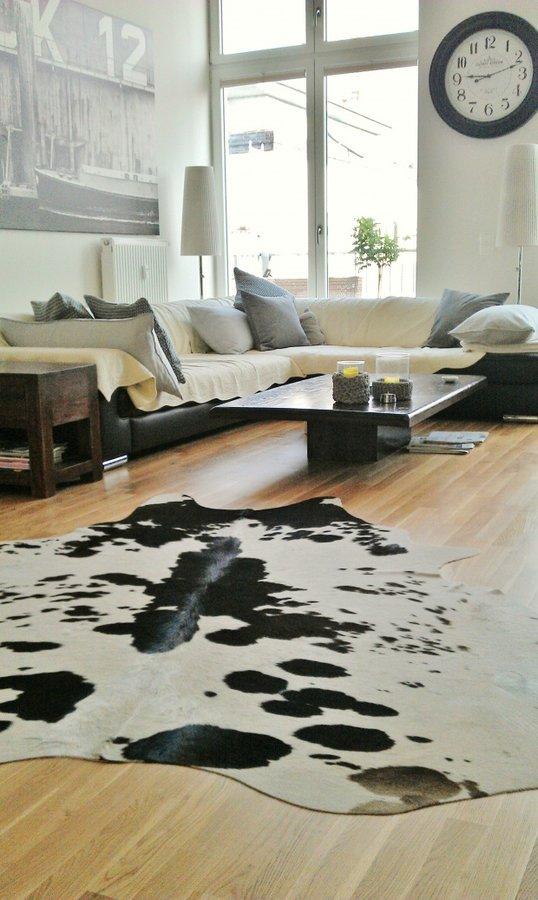 Wanduhren: Ein Schöner Blickfang Ist In Mitglied Matrixfehlers Wohnzimmer  Eine Große Wanduhr.