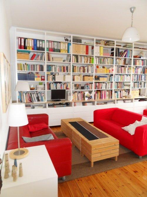 Farbgestaltung Wohnzimmer Annitrie Setzt Auf Eine Knallrote Sofa Kombination
