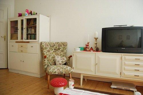 Farbgestaltung Wohnzimmer Inahhh Liebt Natrliche Tne In Kombination Mit Einem Roten Klecks