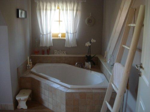 Sch ner stauraum mehr platz im badezimmer - Badezimmer leiter ...