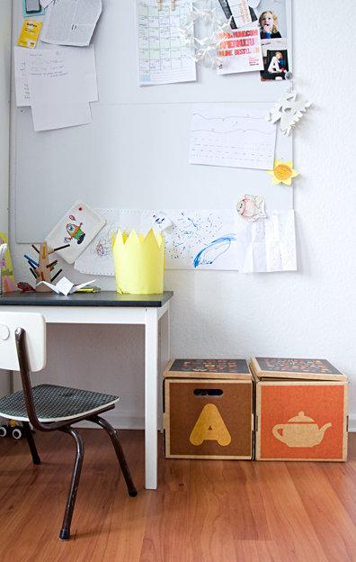 ordnungshelfer f rs kinderzimmer stauraum in vielen sch nen varianten. Black Bedroom Furniture Sets. Home Design Ideas