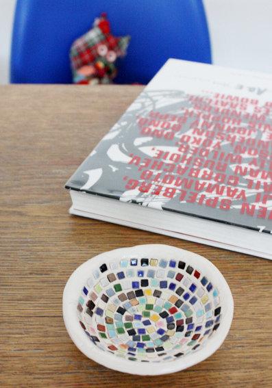 Bastelideen mit papier und ton deko schalen selber machen for Schalen deko ideen
