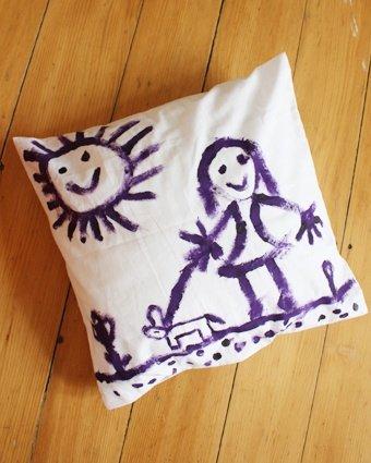 kissen bedrucken mit textilfarbe und schablone. Black Bedroom Furniture Sets. Home Design Ideas