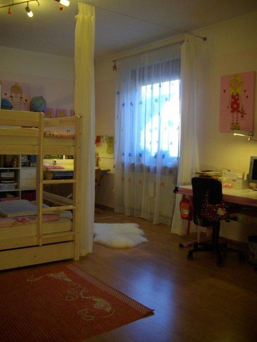Kinderzimmer ideen das geteilte kinderzimmer for Gemeinsames kinderzimmer