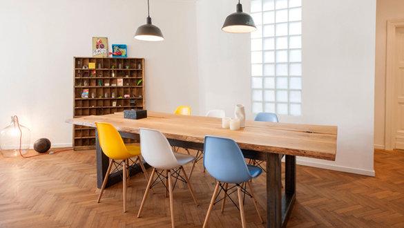wohnideen mit st hlen von charles ray eames. Black Bedroom Furniture Sets. Home Design Ideas
