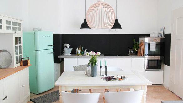 luxus k che mit kochinsel. Black Bedroom Furniture Sets. Home Design Ideas