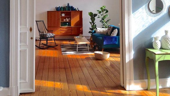 wohnen und einrichten mit holz. Black Bedroom Furniture Sets. Home Design Ideas