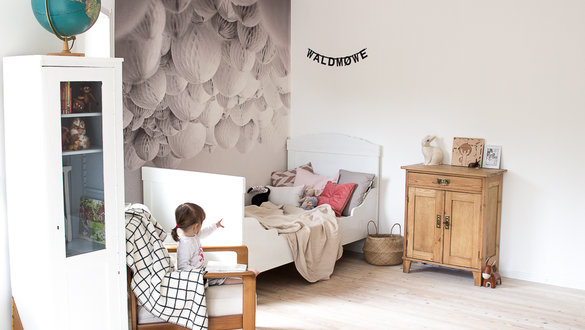 Weiße Tafelfarbe im Kinderzimmer bietet zahlreiche Gestaltungsmöglichkeiten