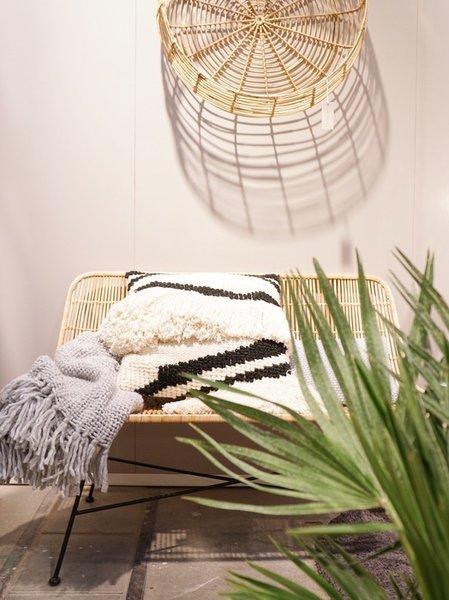 Kissen, Überwürfe, Teppiche Und Wandbehänge Dürfen Im Muster  Und  Materialmix Kombiniert Werden. Besonders Fallen Die Vielen Wohntextilien Im  Handmade Look ...