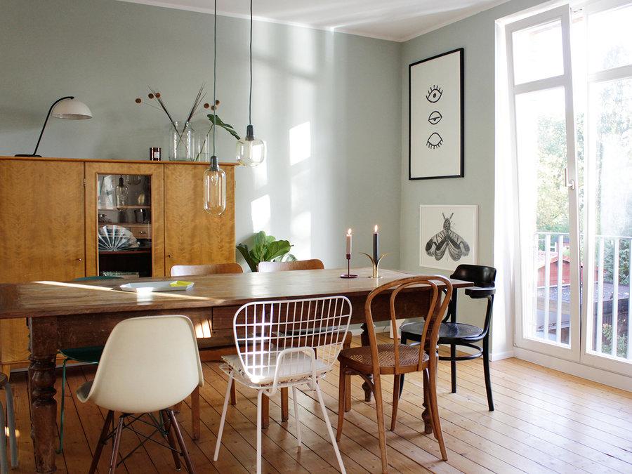 awesome esszimmer stuhl mix #1: Je vielfältiger die Kombination, desto einzigartiger wird das Esszimmer.  Besonders gut funktioniert der Stuhlmix an einem schönen Vintage-Tisch vor  einer ...