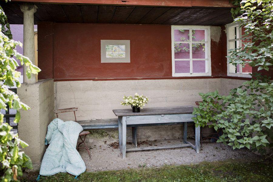 Der Zauberhafte Pavillon Mit Wilden Gartenrosen Und Mit Der Grün Getupften  Élitis Zamora Decke.