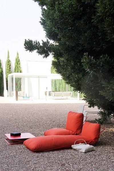 5 spanische designfirmen die ihr unbedingt kennenlernen m sst. Black Bedroom Furniture Sets. Home Design Ideas