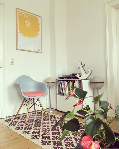 U201cGanz Besonders Toll An Den Eames Stühlen Von Vitra Finde Ich, Dass Man So  Eine Große Auswahl An Farben Und Materialien Hat Und Sich Somit Den Stuhl  Direkt ...