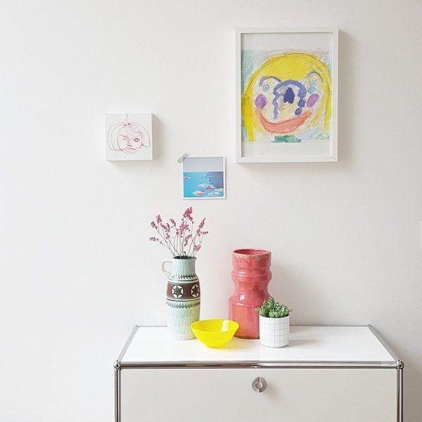 Julias Drucke Bei Einer Ausstellung Im Ries Concept Store In Karlsruhe. Und  Ihr Drahtporträt Zu Hause Bei @miraculusa .