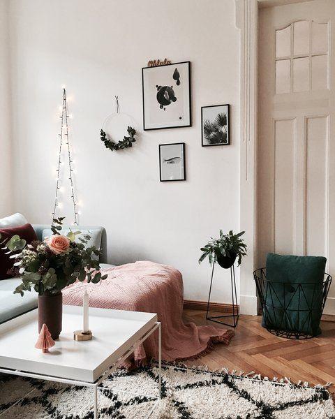 Einen Touch Imposanter Gestalten @Kristina.Ahoi Und @B  B51 Ihre Wohnzimmer.  Auffällige Schwarz Weiß Muster Und Kräftiges Rosa Treffen Auf Schlichtes  Weiß ...