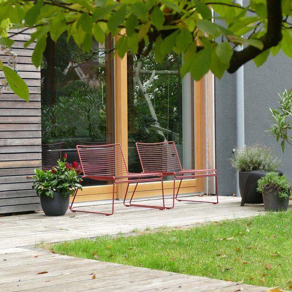 Der Aus Pulverbeschichtetem Metall Hergestellte HAY Hee Lounge Chair Bei  @Lumikello Im Garten Sorgt Für Entspannte Sonnenmomente.