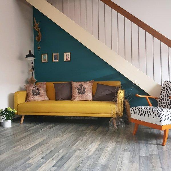f r mehr farbe in der wohnung blaue gr ne und gelbe sofas. Black Bedroom Furniture Sets. Home Design Ideas